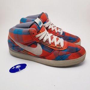 RARE | 2010 Nike 6.0 Mid Top Skate Shoe Plaid sz 9